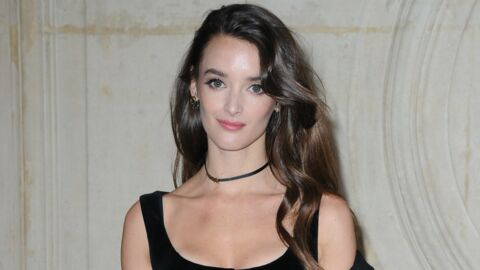 PHOTO Charlotte Le Bon pose topless contre le mauvais temps