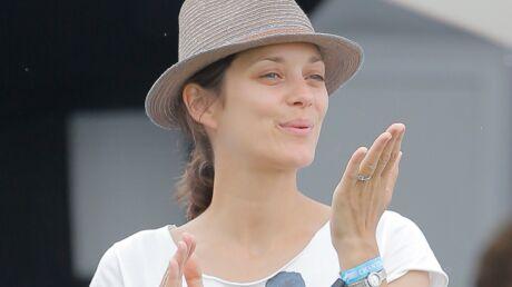 diapo-marion-cotillard-au-naturel-pour-encourager-guillaume-canet-au-jumping-de-chantilly