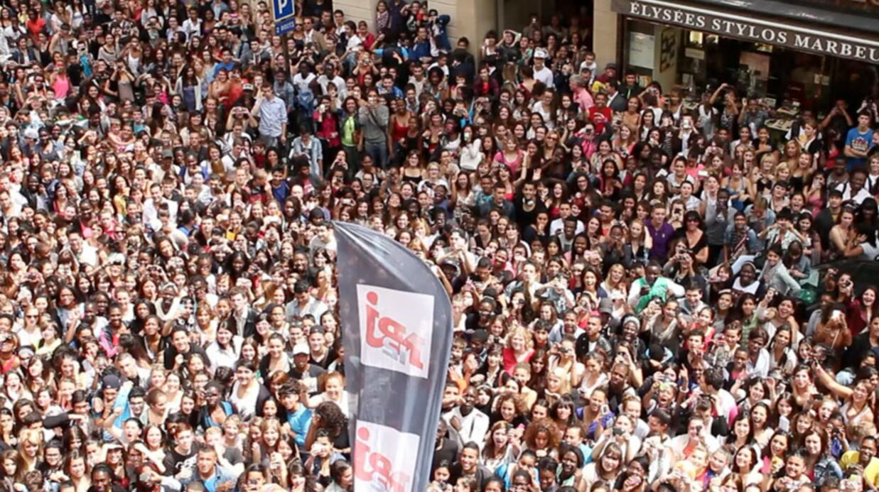 VIDEO Plus de 5 000 personnes réunies à Paris pour voir Les Anges