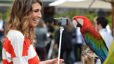 PHOTOS Séance photo fun pour Laury Thilleman au Village de Roland-Garros