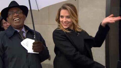 VIDEO Scarlett Johansson devient présentatrice météo