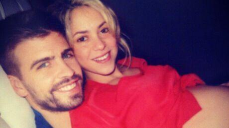 PHOTO Shakira montre son ventre rond à ses fans