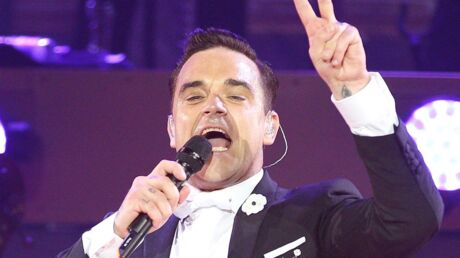 VIDEO Robbie Williams papa d'un petit garçon