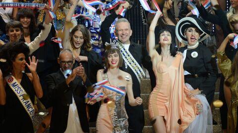 PHOTOS Malika Ménard très décolletée, Rossy de Palma à moitié nue au dernier défilé Jean Paul Gaultier