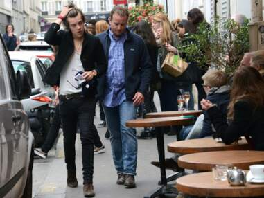 Harry Styles (One Direction) profite seul de Montmartre