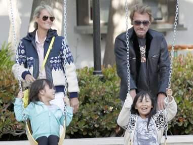 Johnny Hallyday et Laeticia au parc avec leurs filles
