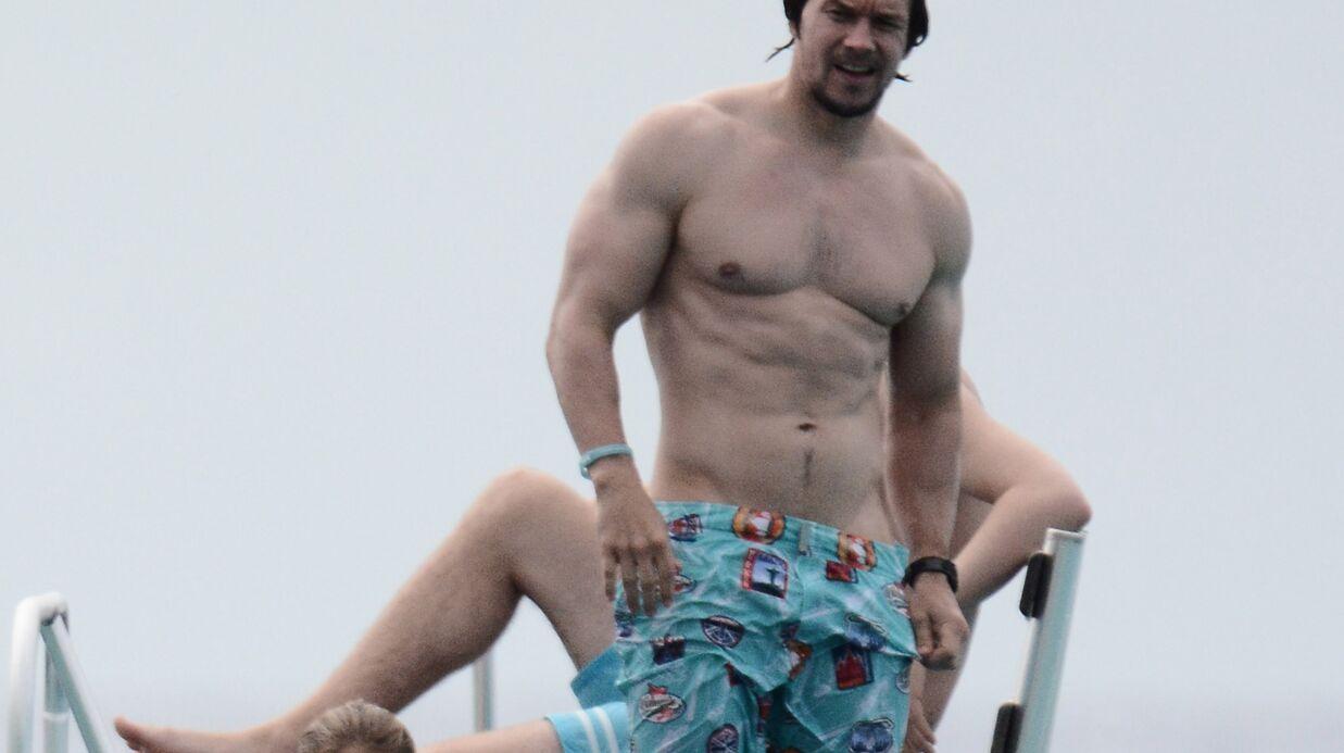 PHOTOS Les vacances sexy et musclées de Mark Wahlberg