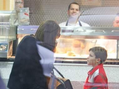 Victoria Beckham et son fils au fish & chips