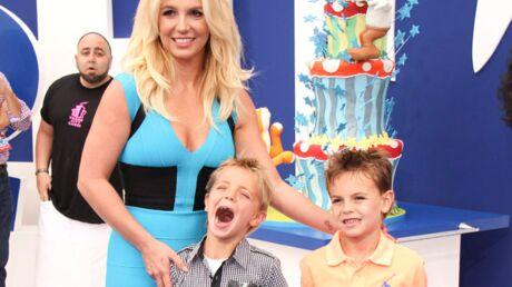 DIAPO Britney Spears emmène ses fils à l'avant-première des Schtroumpfs 2
