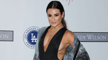 PHOTOS Lea Michele (Glee) exhibe un impressionnant side boob sur tapis rouge