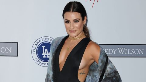 PHOTOS Lea Michele (Glee) exhibe un impressionnant side boob sur tapis rouge