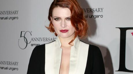 PHOTO Elodie Frégé (encore) seins nus dans une tenue affriolante