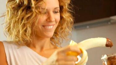 Une chanteuse qui a la banane