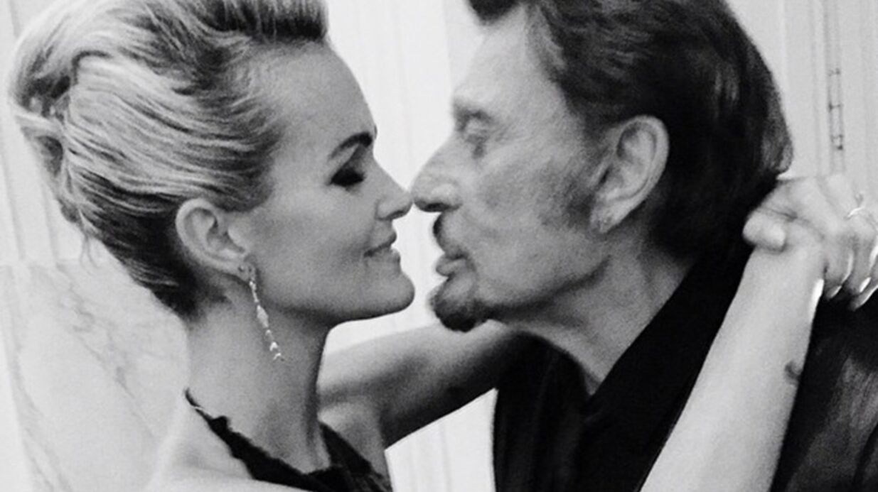 PHOTOS Johnny et Laeticia Hallyday avec Julie Gayet au bal Hermès