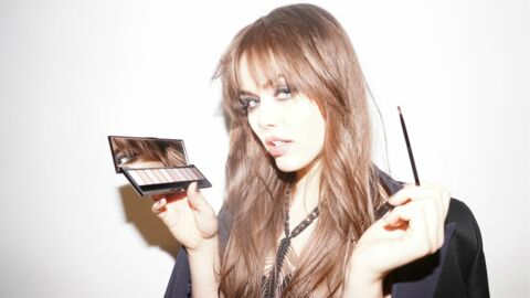 La blogueuse Kristina Bazan sort sa collection de make-up avec L'Oréal