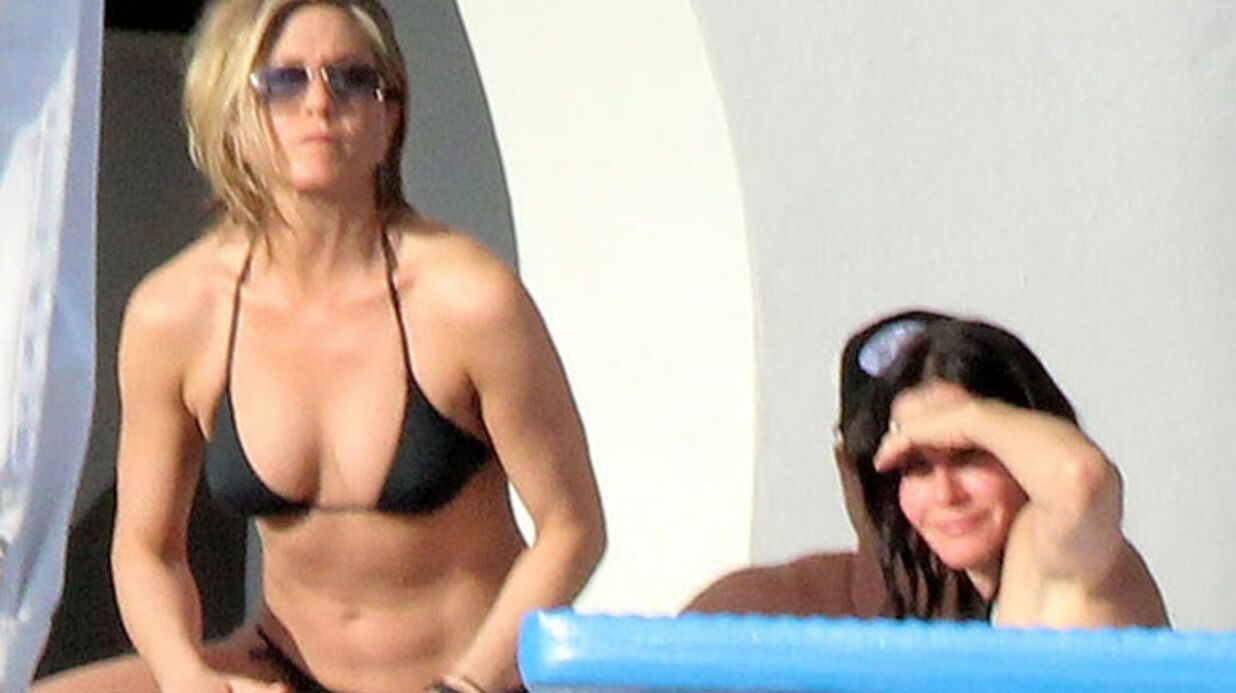 PHOTOS Jennifer Aniston et Courteney Cox: retrouvailles au soleil et en bikinis