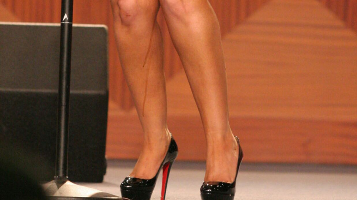 VIDEO Christina Aguilera: un étrange liquide sur sa jambe