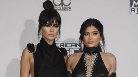 Kylie et Kendall Jenner font scandale avec une ligne de T-shirts illégaux