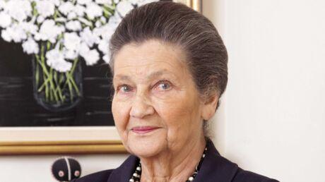Mort de Simone Veil: Laeticia Hallyday, Valérie Trierweiler, Emmanuel Macron lui rendent hommage