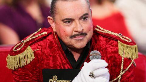 Eric Morena: le chanteur rejeté par sa famille à cause de son homosexualité