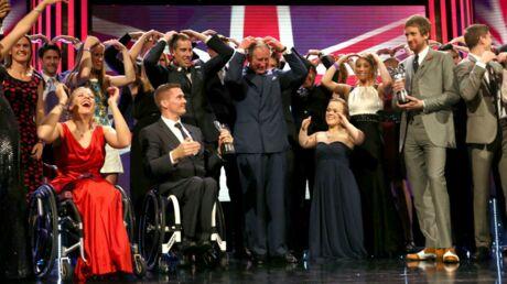 PHOTOS Le prince Charles s'amuse avec l'équipe paralympique anglaise