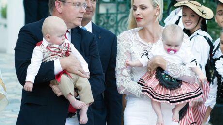 Les photos craquantes d'Albert et Charlène de Monaco avec leurs jumeaux au pique-nique de la Principauté
