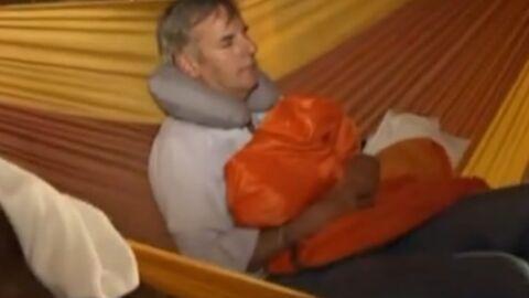 Bernard de la Villardière se fait soigner par une guérisseuse nue