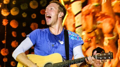 VIDEO Chris Martin de Coldplay rend hommage à George Michael dans un foyer pour sans-abris