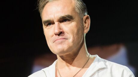 morrissey-le-chanteur-dit-avoir-ete-agresse-sexuellement-lors-d-un-controle-a-l-aeroport