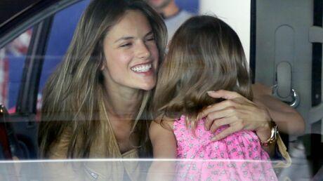 DIAPO Tendres retrouvailles entre Alessandra Ambrosio et sa fille