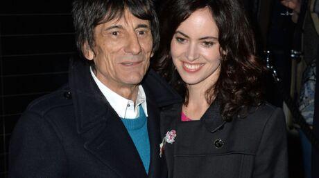Ronnie Wood: à 68 ans, le guitariste des Rolling Stones est papa de jumelles
