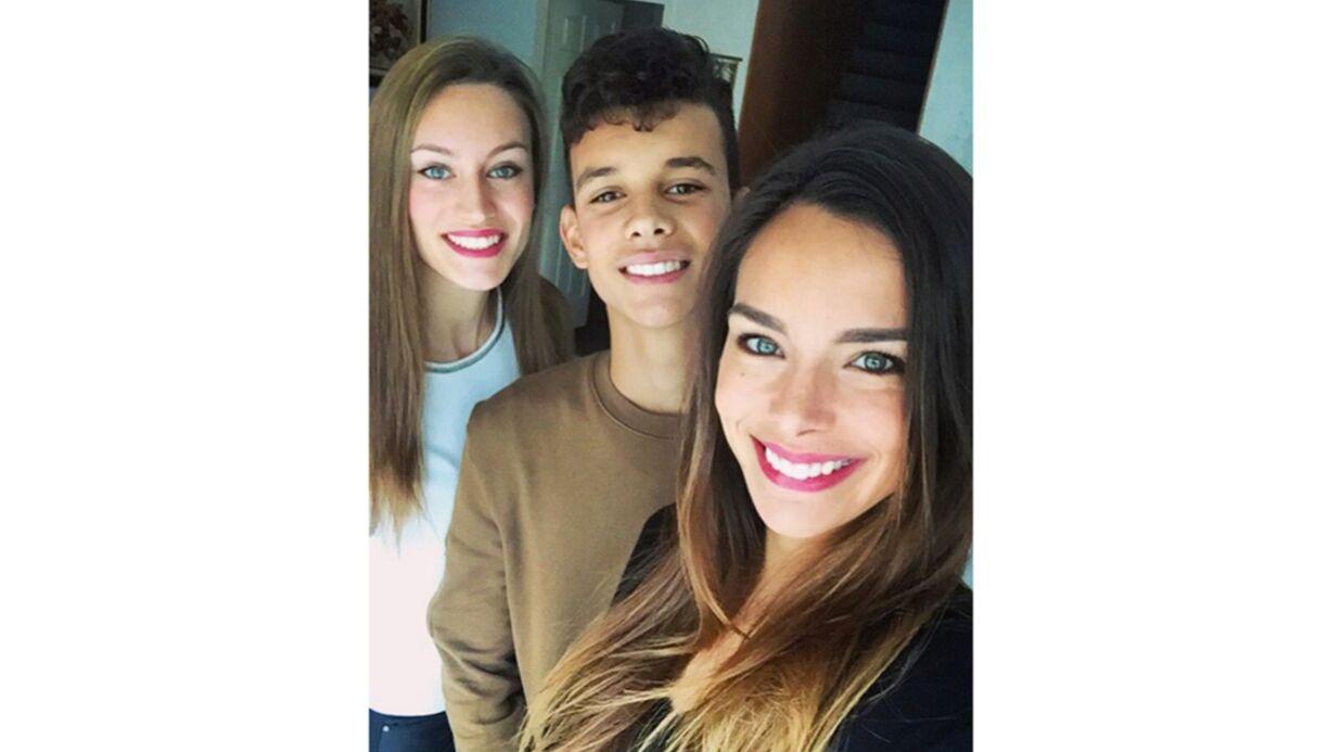 PHOTO Marine Lorphelin pose avec son frère et sa sœur… et ils sont craquants!