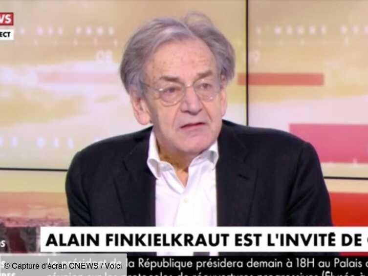 VIDEO Alain Finkielkraut ne se rend pas compte qu'il est à l'antenne : gros malaise sur le plateau de Pascal Praud