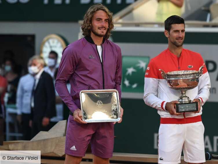 Stéfanos Tsitsipás : ses gros sous-entendus sur Novak Djokovic lui valent de lourdes critiques