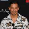 Magnum: pourquoi l'acteur Jay Hernandez ne porte pas de moustache dans le reboot comme Tom Selleck? - Voici