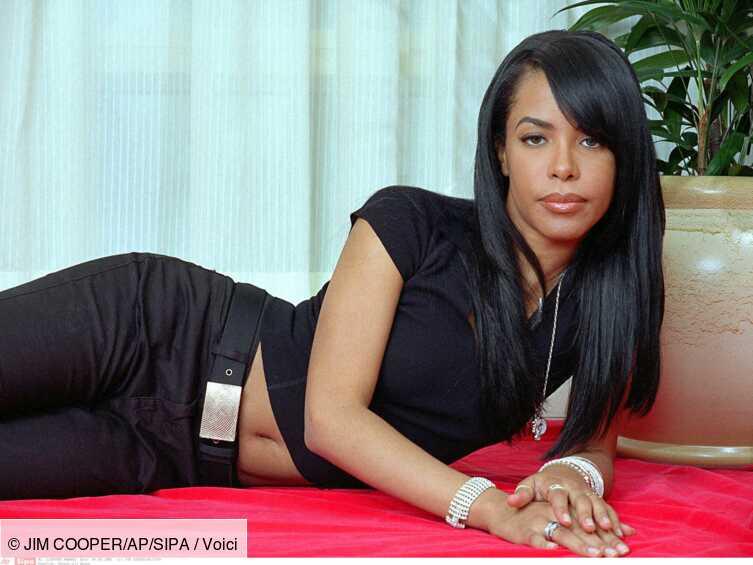 20 ans de la mort d'Aaliyah : la chanteuse transportée inconsciente à bord de l'avion? Un proche témoigne