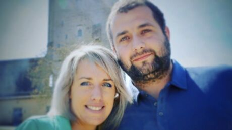 photo-claire-et-sebastien-l-amour-est-dans-le-pre-celebrent-leur-premier-anniversaire-de-mariage-les-internautes-sont-fans