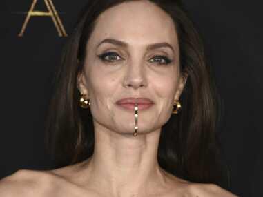 VOICI - Angelina Jolie : sa fille Shiloh, en robe et talons, se dévoile comme vous ne l'avez jamais vue
