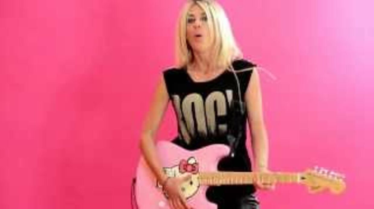 VIDEO Eve Angeli danse topless dans son nouveau clip, Ta différence