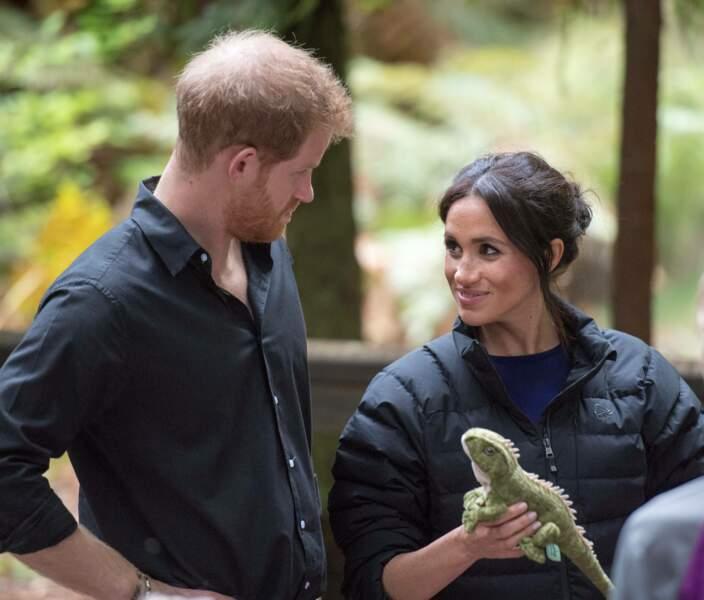 Regard complice entre le duc et la duchesse de Sussex