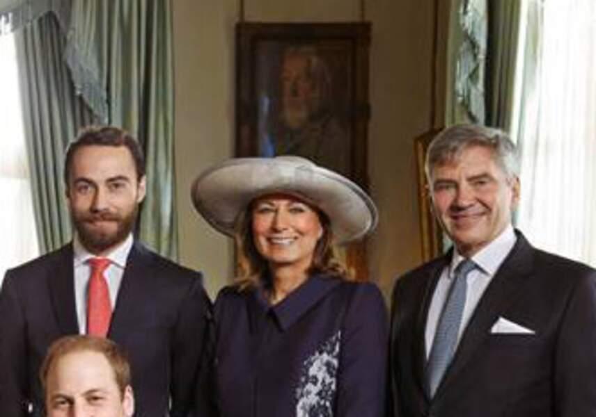 Le portrait de la reine à sa place traditionnelle dans ce salon de Clarence House