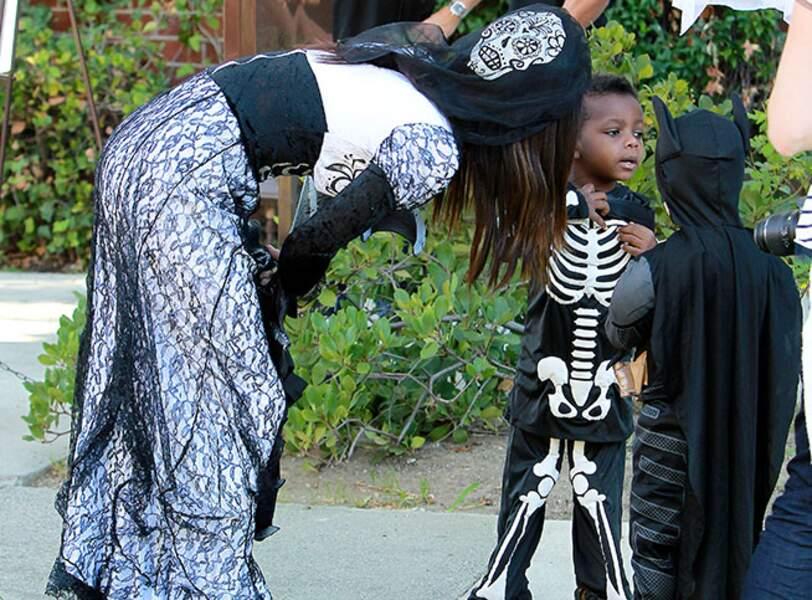Sandra Bullock, son fils Louis et Batman