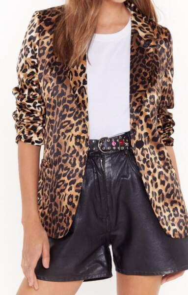 Veste en satin léopard, Nasty Gal, actuellement à 46,20€