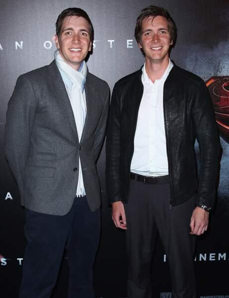 James (Fred) et Oliver Phelps (George) aujourd'hui