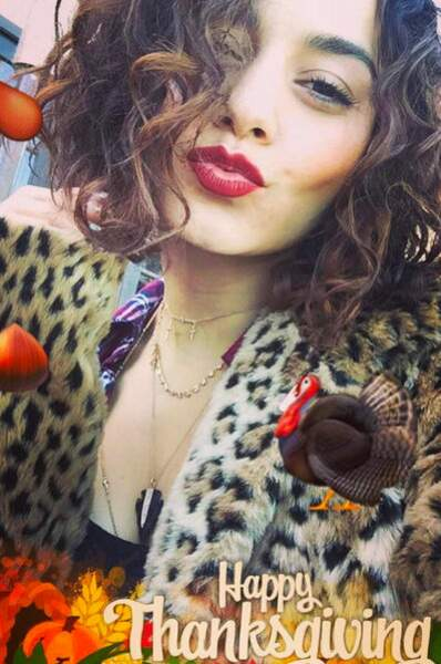 Vanessa Hudgens vous embrasse