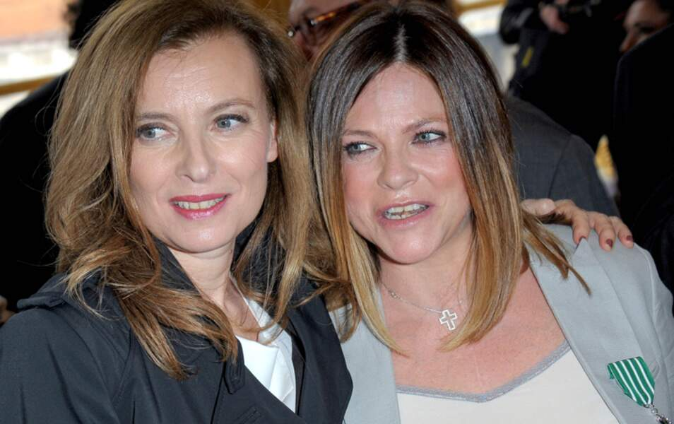 Valérie Trierweiler pose avec Charlotte Valandrey