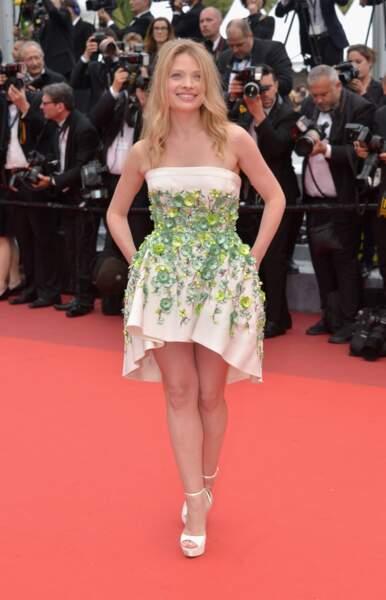 Mélanie Thierry ravissante dans une robe printanière