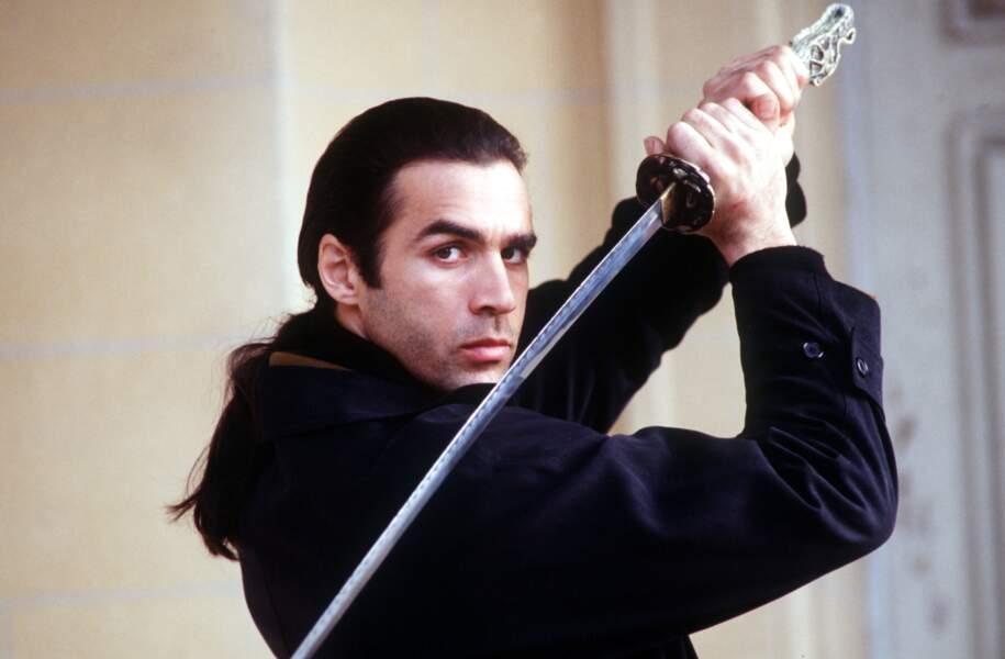 À quoi ressemblent les stars des séries télé des années 90 - Highlander