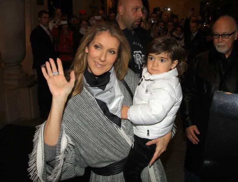 Céline Dion avec Eddy ou Nelson, en 2012, à Paris