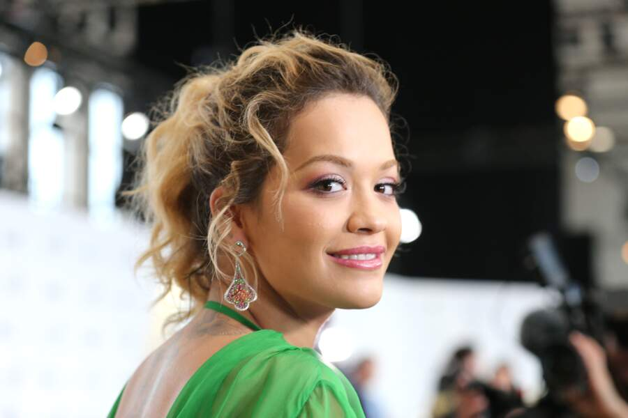 Tendance racines apparentes : ces people qui osent les afficher - Rita Ora